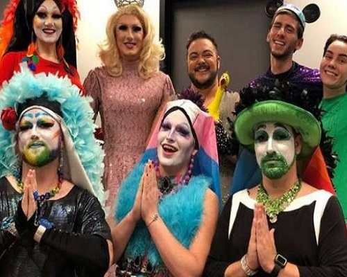 .jpg photo of Drag Queens that read to Children in librarys